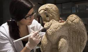 roman eagle found in london