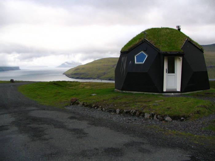 kvivik-igloo-kvivik-faroe-islands-main