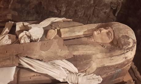archeologie boz sarcofaag ta ekht