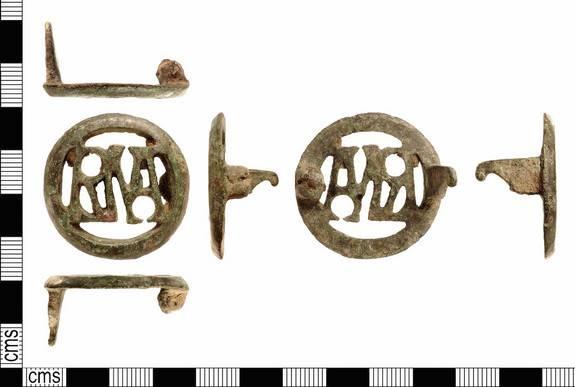 archeologie boz brooch