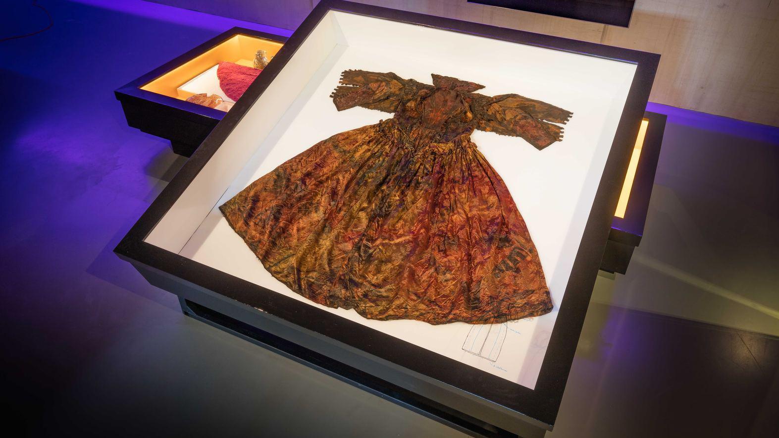 archeologie boz luxe kleding